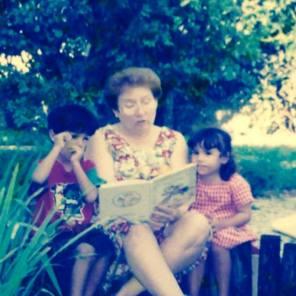 reading con abuela